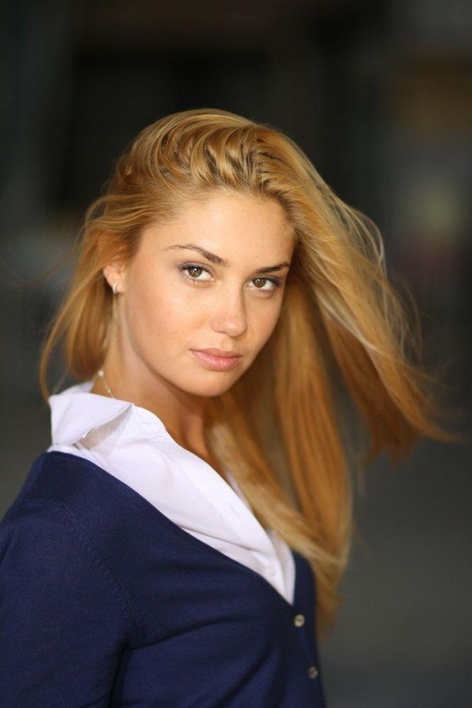 актриса агата муцениеце. фото